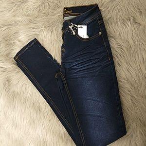Denim - 🆕SAMI Dark Denim Tapered Skinny Jeans